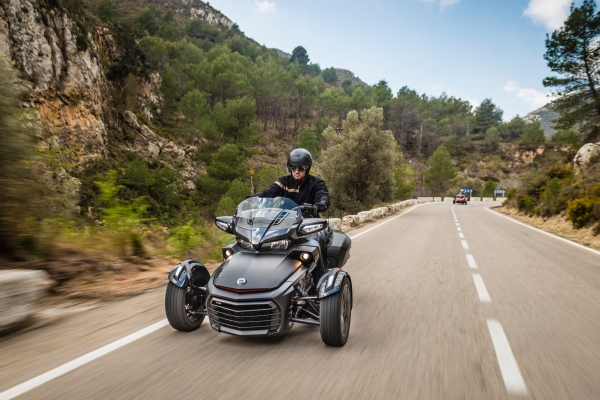 Roadster - Can-Am Spyder